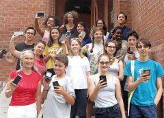 Jugendliche und Glasrecycling | Austria Glas Recycling Projekt | (c) Heidemarie Zimmermann