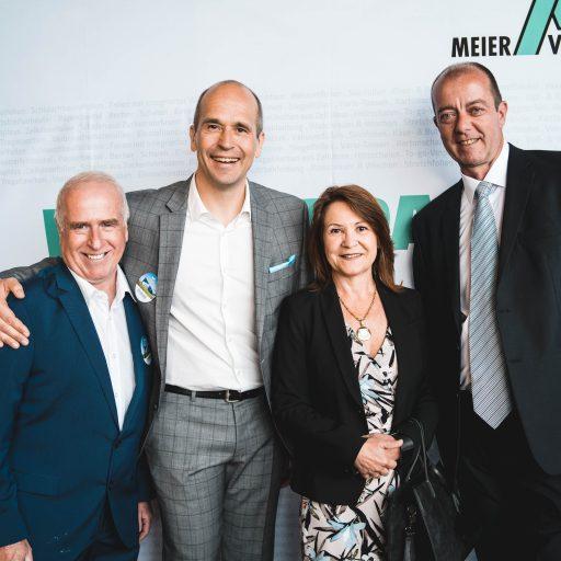Standortleiter Walter Michelitsch, Geschäftsführer Ralf Oesingmann, Robert Schmierdorfer mit Gattin Michaela (Bürgermeister von Albersdorf-Prebuch)