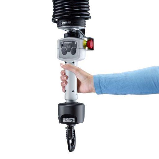 Der ergonomische Handgriff D-Grip Servo mit integrierter Sensorik und zur Einstellung der 4 Lastmodi.