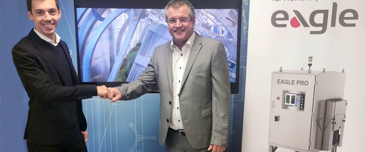 Ing. Manuel Hartmann , Geschäftsführer Förderanlagen-Schlosserei Werfring GmbH und Hans Janik, CEO Eagle Inspektionstechnologie für Fremdkörperdetektion GmbH & Co.KG (Foto: Werfring)